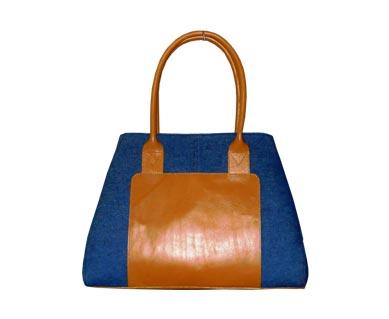 http://peerlessbd.com/uploads/products/14545914074599129_48_leather-bag2jpg.jpg
